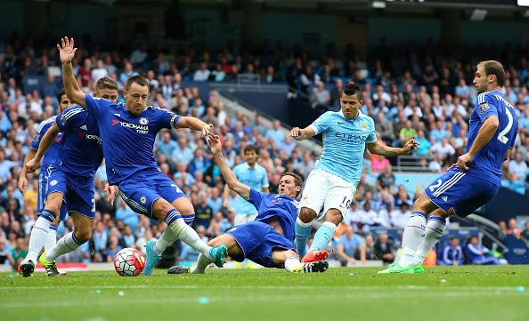 MANCHESTER, ENGLAND - AUGUST 16: Sergio Aguero of Manchester City scores the opening goal during the Barclays Premier League match between Manchester City and Chelsea at Etihad Stadium on August 16, 2015 in Manchester, United Kingdom. (Photo by Alex Livesey/Getty Images)