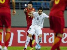 un irani se zafa del jugador chino