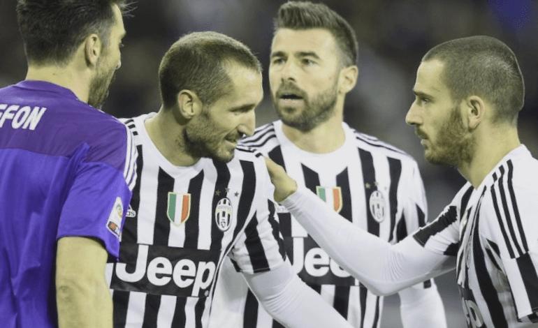Los centrales de la Juventus con Buffon