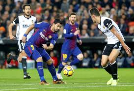 Suárez llega envuelto en la polémica por su agresividad.