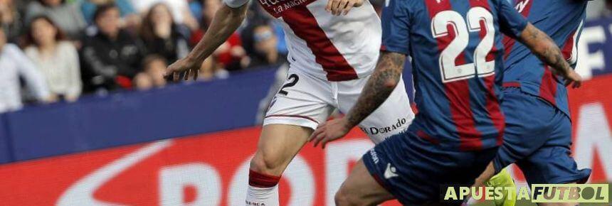 Huesca vs Levante en una pasada jornada de la Liga Santander