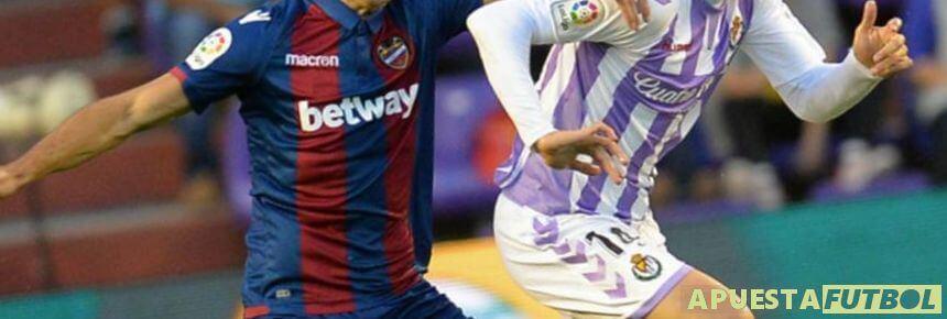 Levante y Real Valladolid en su partido de Liga Santander