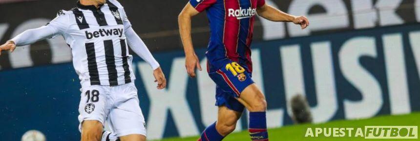 Partido de ida esta temporada entre Levante y Barcelona